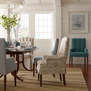 073 Dining Table And Chairs